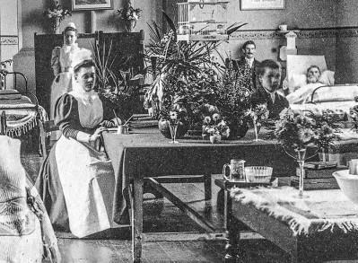 DCH NURSES 1880s